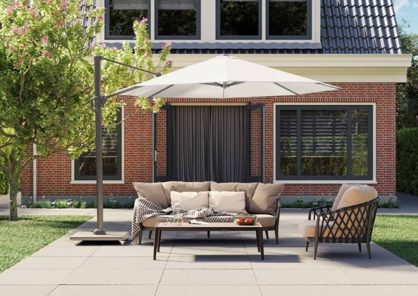 Parasol ogrodowy z podstawą – sposób na cień w ogrodzie