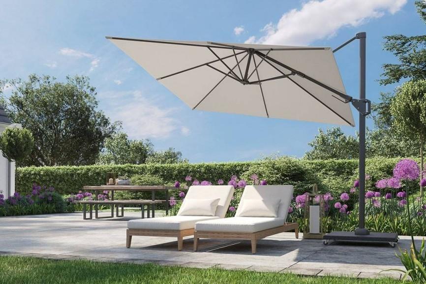 Parasol prostokątny w ogrodzie i na tarasie