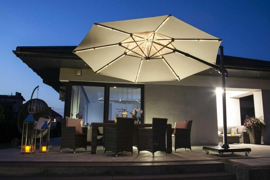 Parasol ogrodowy z oświetleniem LED – wypoczynek na najwyższym poziomie